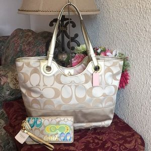 Coach Sateen Signature large Tote & Wallet